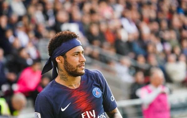 Barcelona offers €40m plus 2 superstars for Neymar this summer