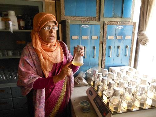 woman scientist in Bangladesh