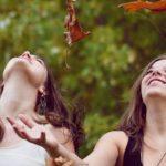 dos personas felices