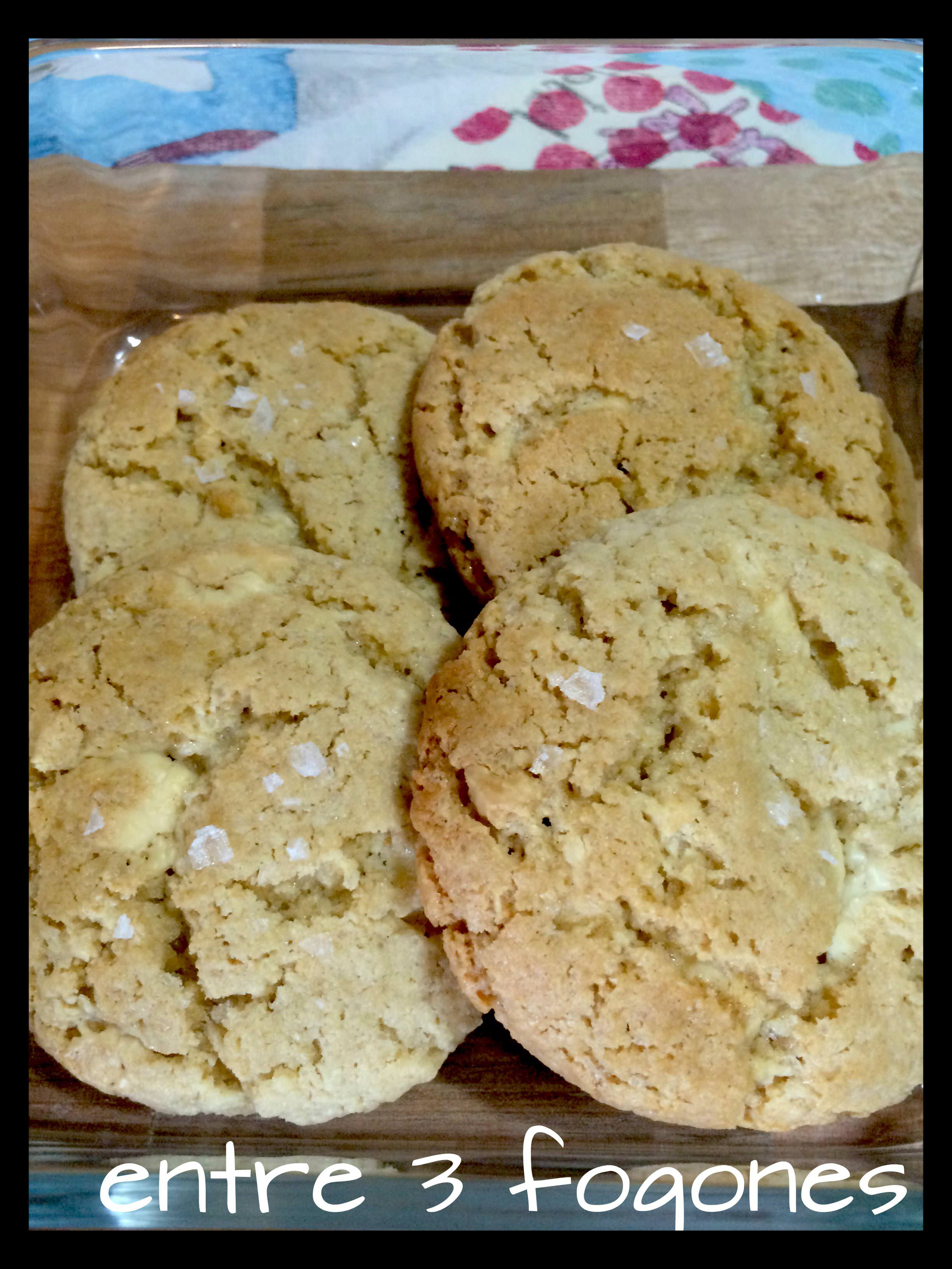 Photo of Cookies Blanditas de Chocolate Blanco y Sal Maldon
