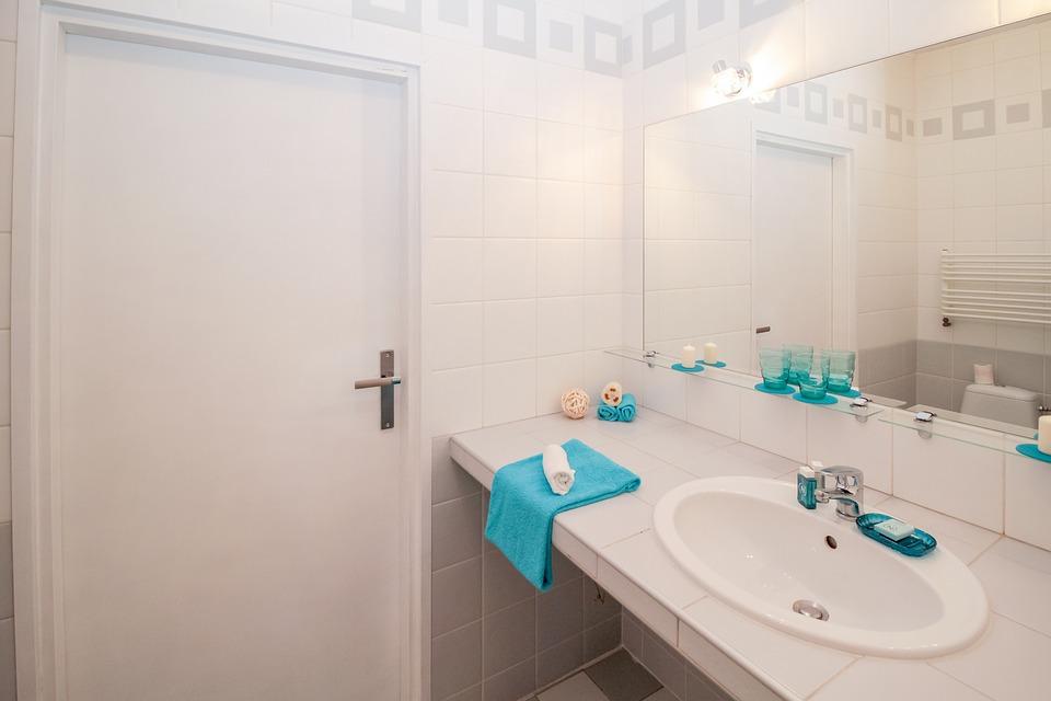 salle de bain handicapée
