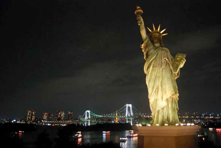 Réplica de la estatua de la libertad en Odaiba