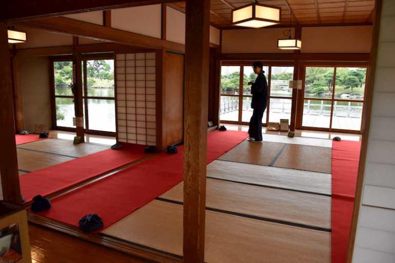 Hama Rikyu Gardens y su casa de té