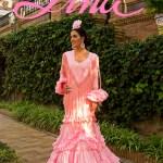 Lina es «Esencial». Trajes de flamenca para toda una vida…