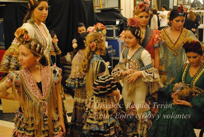 traje de flamenca raquel teran foto entre cirios y volantes we love flamenco
