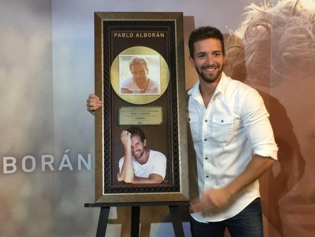 Pablo Alboran Disco de Oro en Mexico.