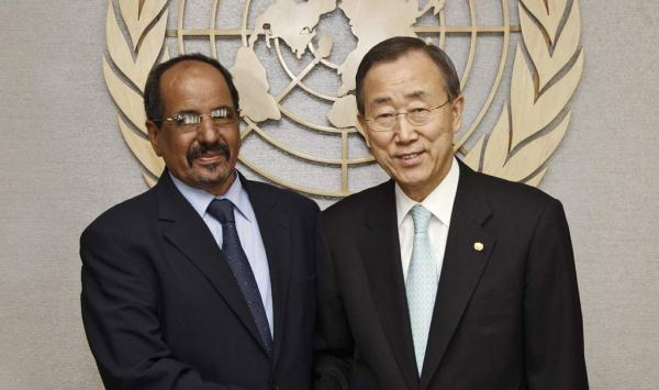 Secretario General Ban Ki-moon (derecha) con Mohamed Abdelaziz, Secretario General del Frente Polisario. UN Photo / Eskinder Debebe