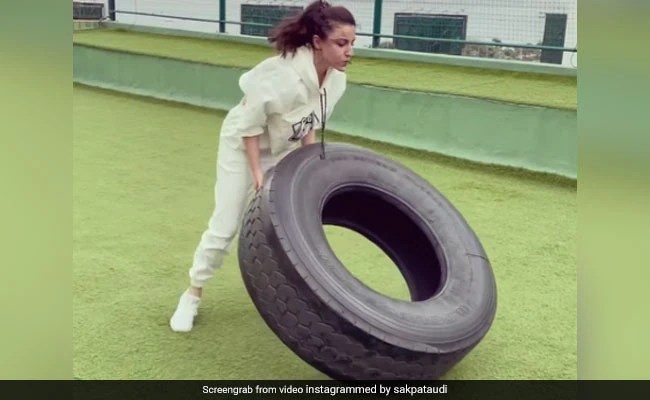 Soha Ali Khan's Workouts Get Deadlier By The Day. See Her Post