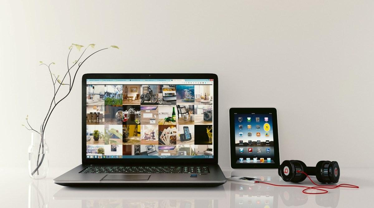 laptop, workstation, browsing-1483974.jpg