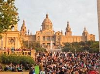El Museo de Arte de Barcelona, además de ser la casa artística más importante de la ciudad es también eñ punto de encuentro de todas las personas que desean ver el espectáculo de la Fuente Mágica de Montjuic.