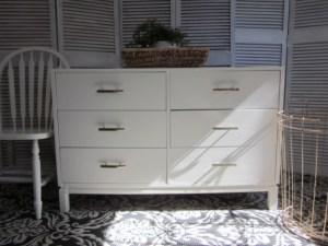 Entriways.com Modern white 6-drawer dresser with champagne bronze hardware