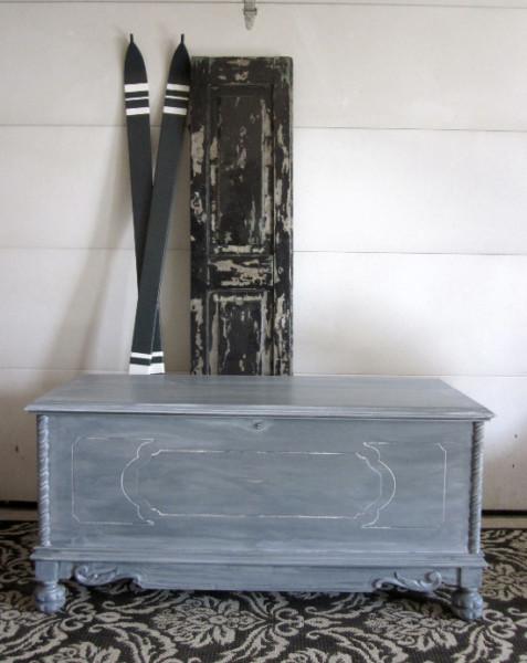 Gray Entryway Storage Bench