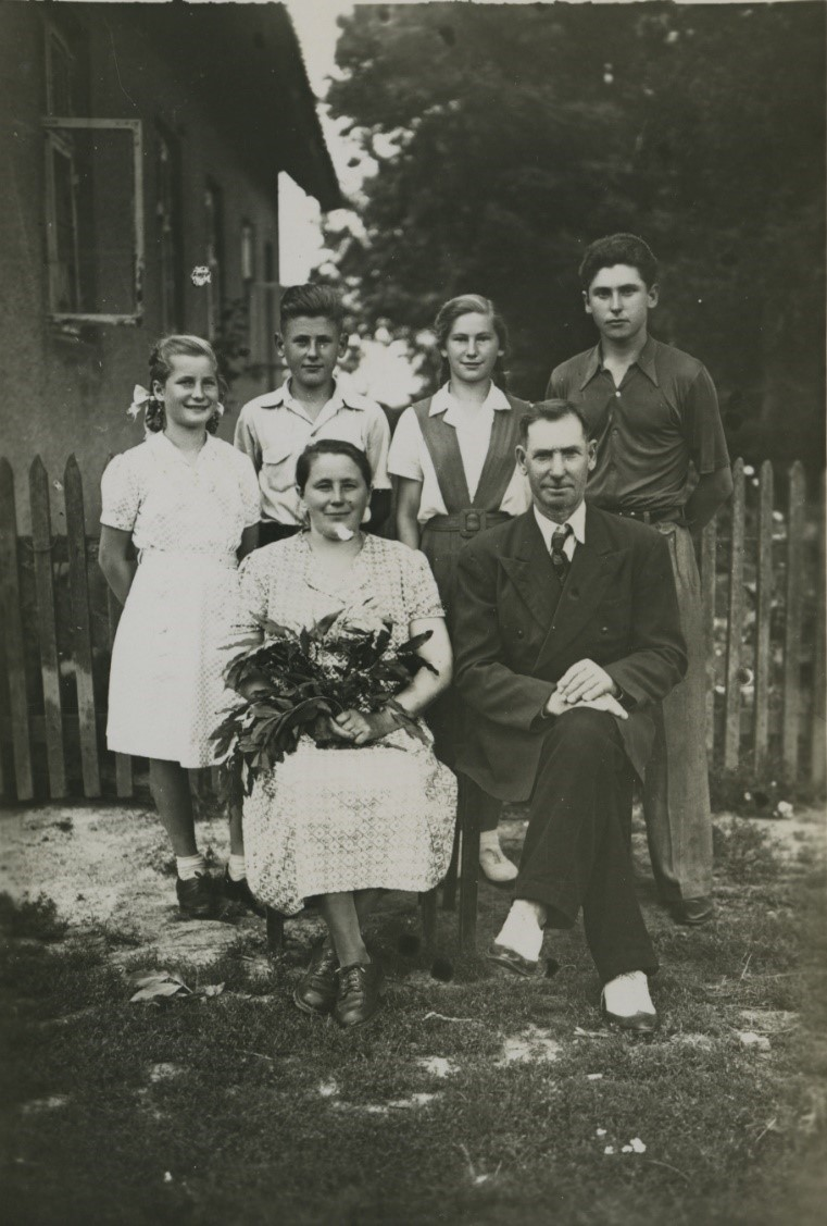 A couple with their four children