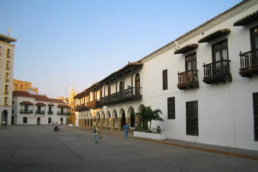 Sitios Turisticos de Cartagena de Indias Plaza de la Aduana