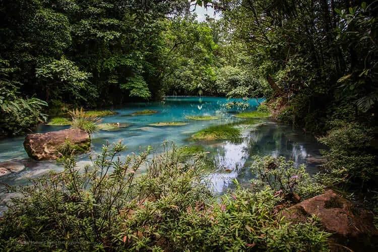 Lugares turisticos de Costa Rica Rio Celeste