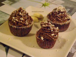 Cupcakes de chocolate al microondas en 2 minutos