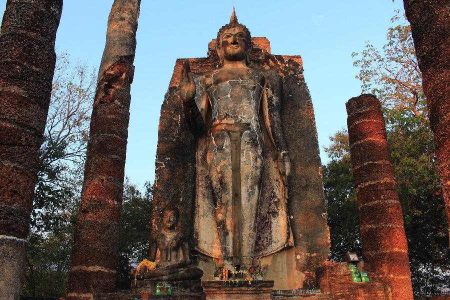 temple-bouddha-sukhotai-ouest