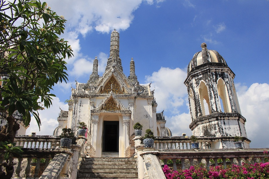 temple-petchaburi