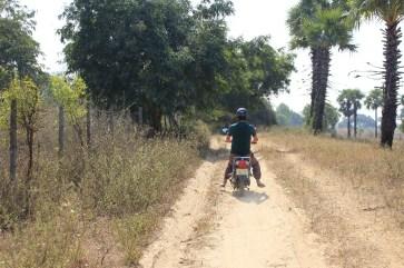 Attention au sable en scooter!