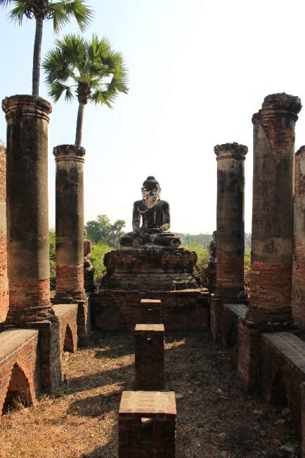 Le style ressemblait à celui des temples de Sukhothai en Thaïlande.