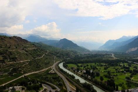 La vue sur le Valais depuis le chateau