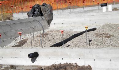 Foundation with under slab drainage