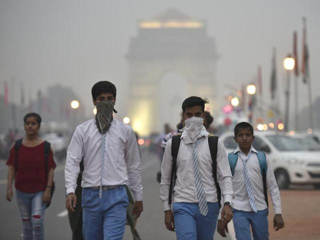 Delhi - Schools in New Delhi shut until Nov. 5 as air pollution severe
