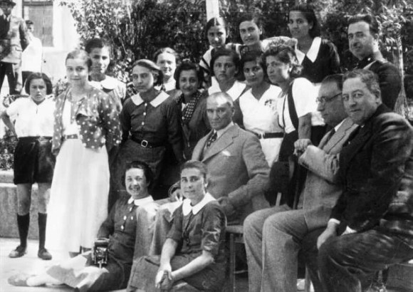 Türkiye Devletinin bağımsızlığı mukaddestir. O ebediyen sağlanmış ve korunmuş olmalıdır. - Mustafa Kemal Atatürk Resimli Sözler - Atatürk Sözleri Ve Fotoğraf Arşivi, unlu-sozleri, guzel-sozler