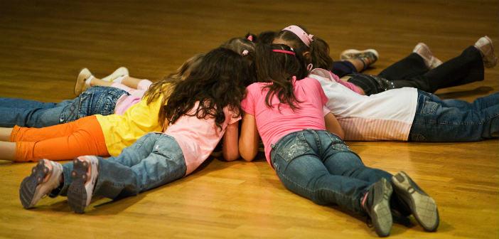 Θεατρικό παιχνίδι για παιδιά 4-12 ετών στην πλατεία Ηρώων