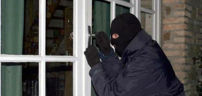 Σύλληψη αλλοδαπού για κλοπές από οικίες & καταστήματα στο Ν. Ψυχικό