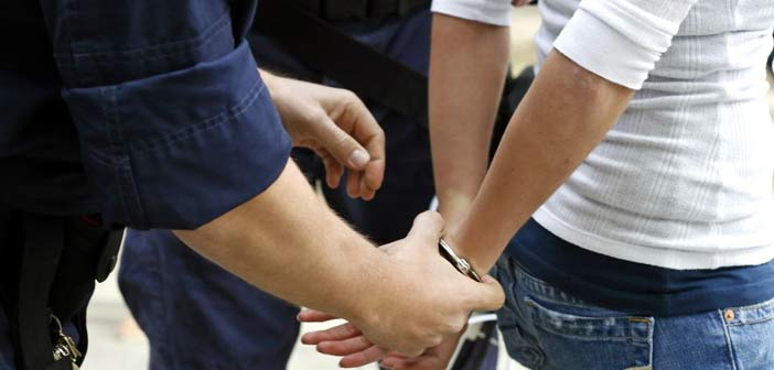 Σύλληψη 54χρονης στο Χαλάνδρι για εγκληματικές πράξεις σε βάρος του Δημοσίου