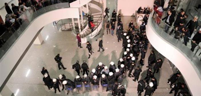 Ε.Ε. & Ουάσινγκτον καλούν την Τουρκία να σεβαστεί την ελευθερία του Τύπου