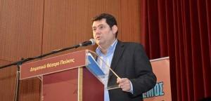 Ο δήμαρχος Τ. Μαυρίδης χαιρετίζει την εκδήλωση για τη Μάχη της Κρήτης