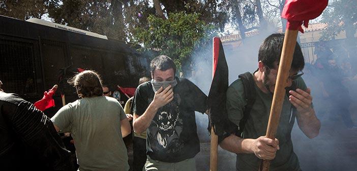 Επεισόδια και χημικά στο πανεκπαιδευτικό συλλαλητήριο
