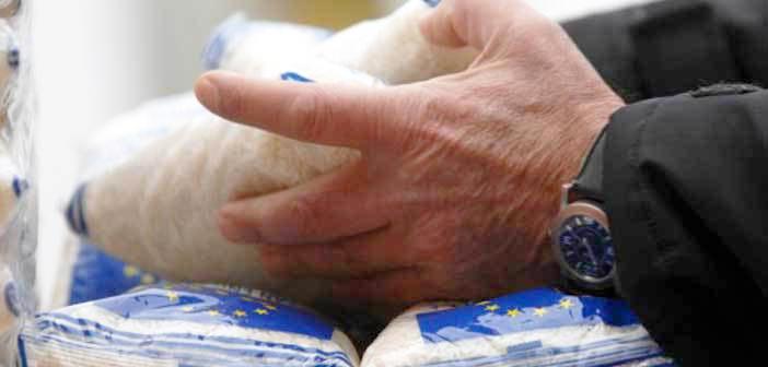 Διανομή προϊόντων σε διμελείς οικογένειες – δικαιούχους ΤΕΒΑ Δήμου Γαλατσίου