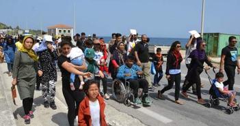Deutsche Welle: Η συμφωνία για το προσφυγικό έχει μεταφέρει τα βάρη στην Ελλάδα