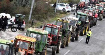 Κινητοποιήσεις πριν από τα Χριστούγεννα ετοιμάζουν οι αγρότες