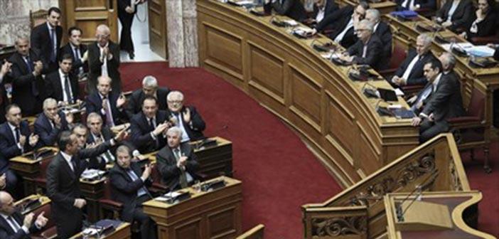 Βουλή: Σφοδρή σύγκρουση στη συζήτηση για την ψήφο εμπιστοσύνης
