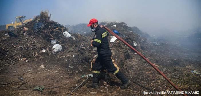 Φωτιά στη χωματερή Άνω Λιοσίων