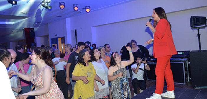 Μουσική εκδήλωση γιορτής και αγάπης με τη Χρύσπα στον Σύνδεσμο Προστασίας Παιδιών και ΑμεΑ
