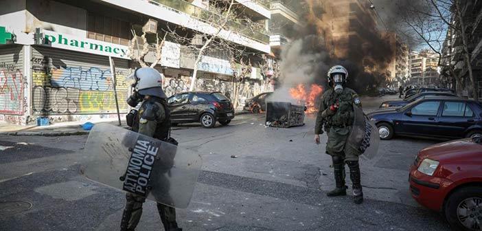 Σοβαρά επεισόδια στο κέντρο της Αθήνας – Τρεις συλλήψεις