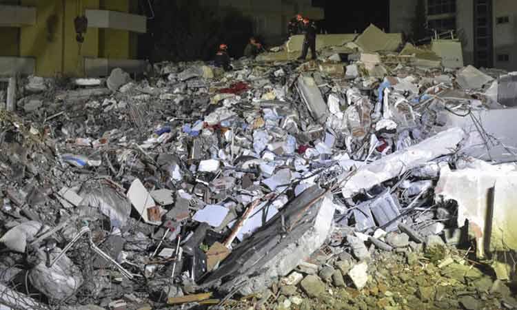 Σεισμός στην Αλβανία: Στους 40 οι νεκροί – Έρευνες των διασωστών σε ετοιμόρροπα κτήρια
