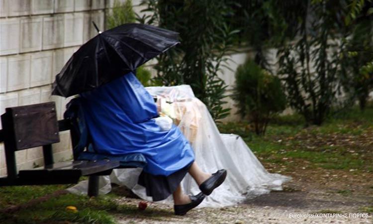 Θερμαινόμενες αίθουσες για τους άστεγους στην Αθήνα
