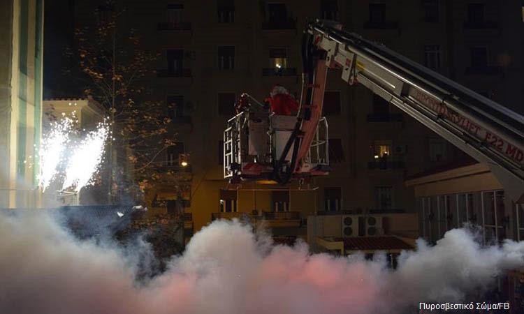 Φωτιά σε διαμέρισμα πολυκατοικίας στην Αγία Παρασκευή ξημέρωμα Πρωτοχρονιάς
