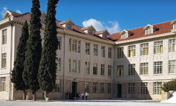 Κλείνει το Κολέγιο Αθηνών - Επιβεβαιώθηκε κρούσμα κορωνοϊού - Ενυπόγραφα
