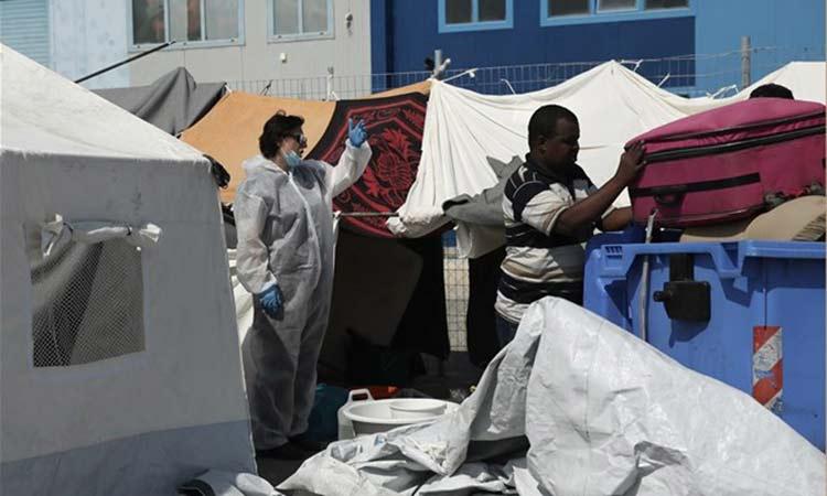 Μυτιλήνη: Άλλοι 2.000 πρόσφυγες και μετανάστες στο Καρά Τεπέ – 174 κρούσματα Covid-19