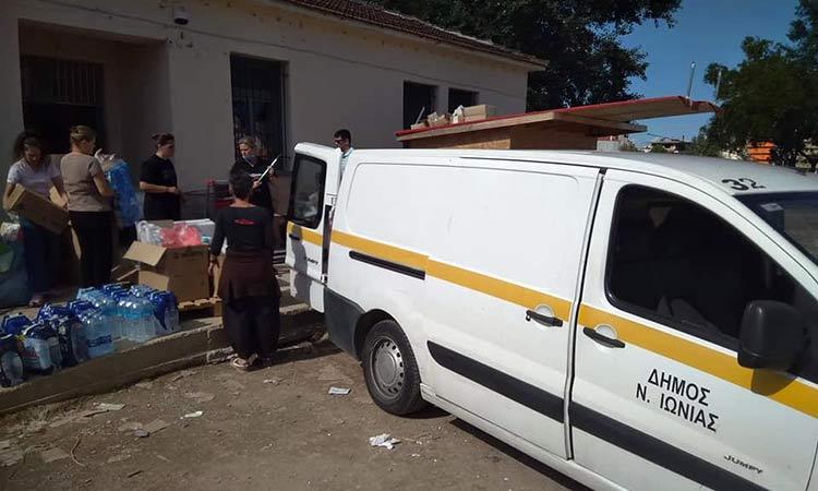 Έφθασε η αποστολή βοήθειας της Ν. Ιωνίας στην Καρδίτσα