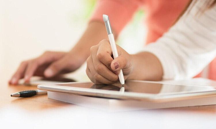 Χαλάνδρι σε Δράση: Όχι δαπάνες για δημόσιες σχέσεις – Αντί ημερολογίων, ας αγοράσουμε tablet για τους μαθητές