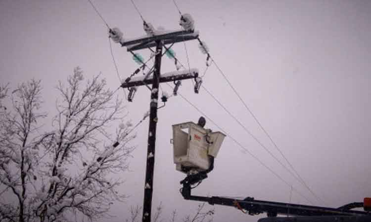 ΔΕΔΔΗΕ: Μέχρι το βράδυ αναμένεται σχεδόν πλήρης αποκατάσταση της ηλεκτροδότησης στην Αττική