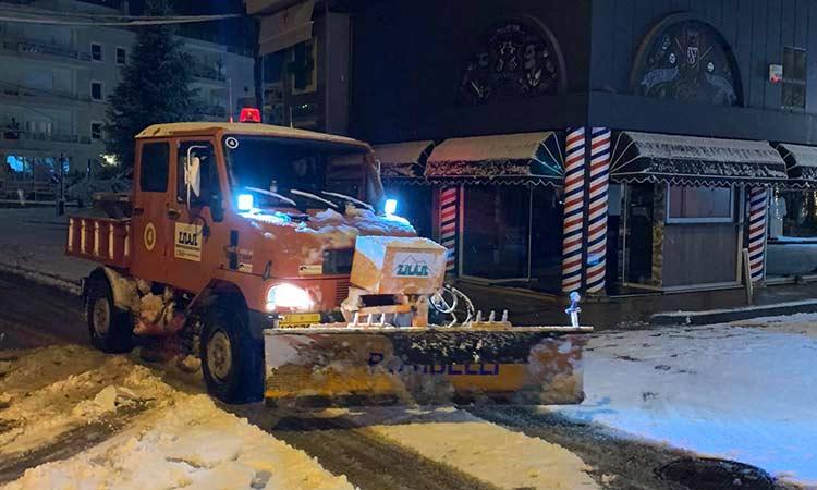 Συνεργεία του Δήμου Λυκόβρυσης-Πεύκης διατηρούν προσβάσιμο το οδικό δίκτυο
